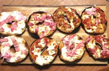 pizza bagel quick and easy