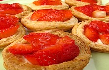 strawberry easy tartelettes 575